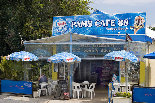 Pam's Cafe 88 Nudgee Beach